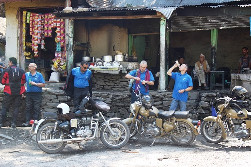 Just before we begin the ascent to Jawahar tunnel, here is a tea and water break at Banihal roadside Dhaba.